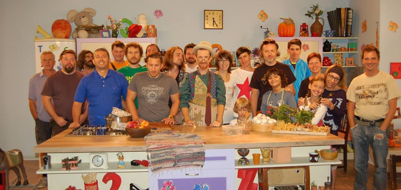 "Second season of ""Srečo kuha cmok"""
